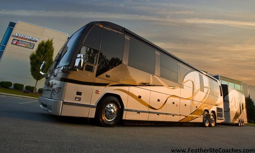 featherlite-coaches - Savage Camper