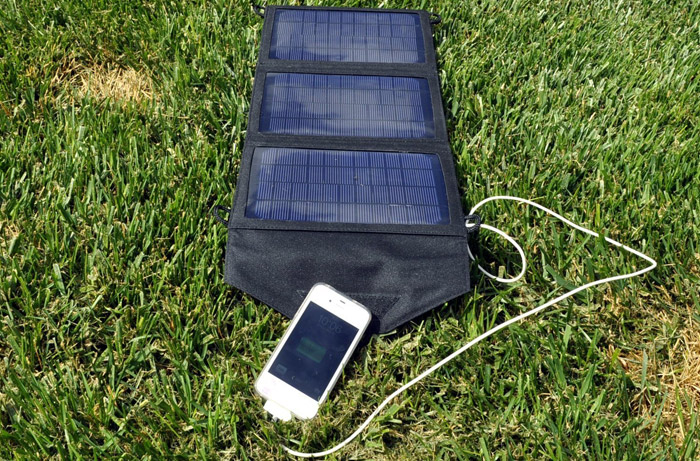instapark mercury 10 watt solar charger