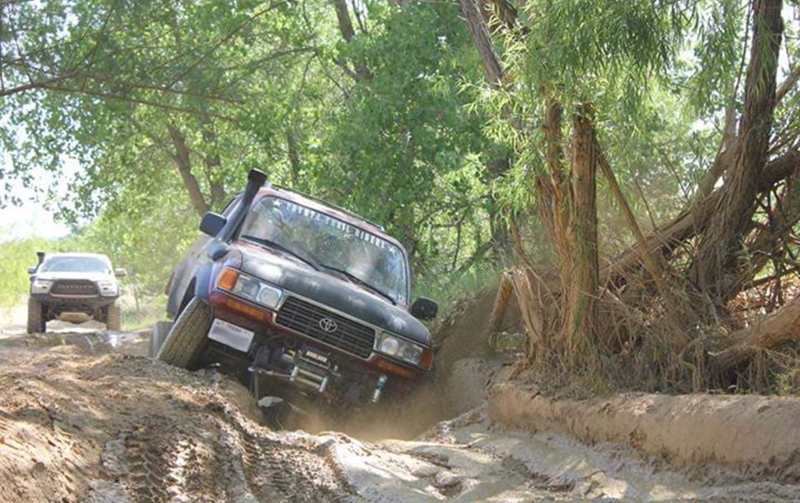 overland land cruiser in ohv park