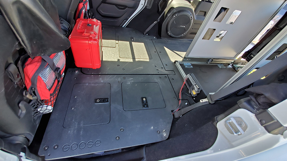 goose gear jlu rear seat delete system with storage